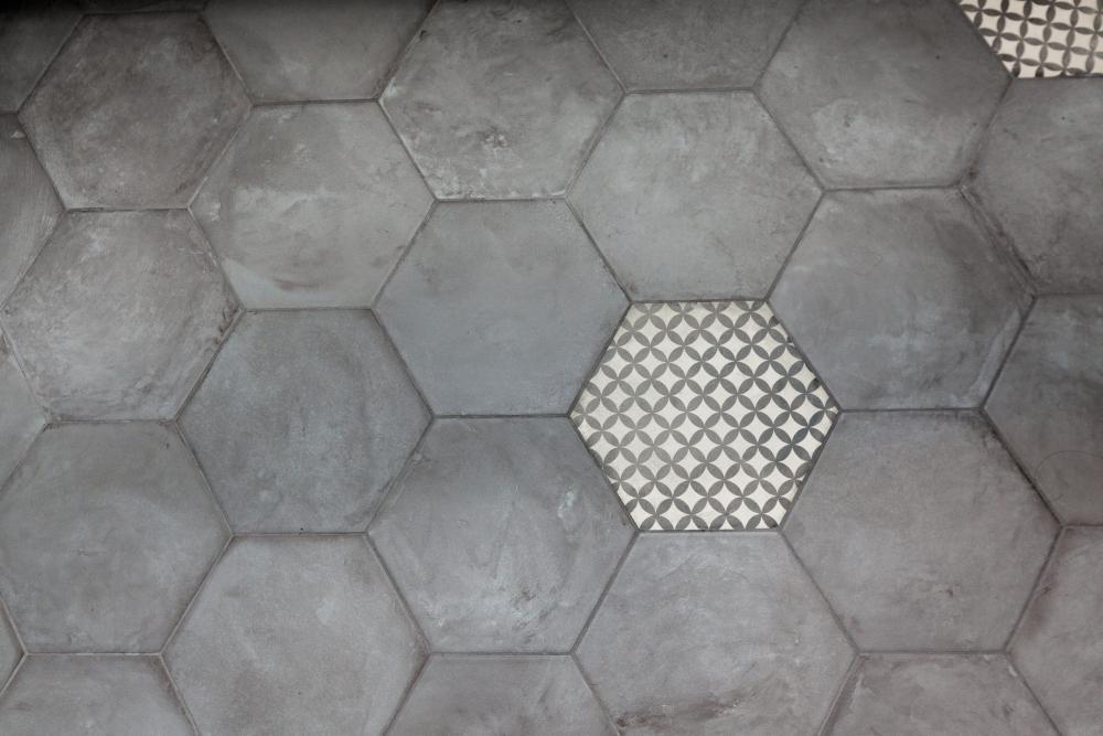Ceramic Tile/Natural Stone
